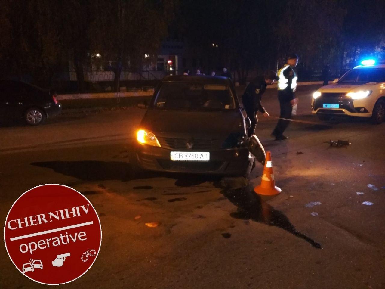Сбегая от полиции потерял колесо: в Чернигове очередное ДТП, фото-16