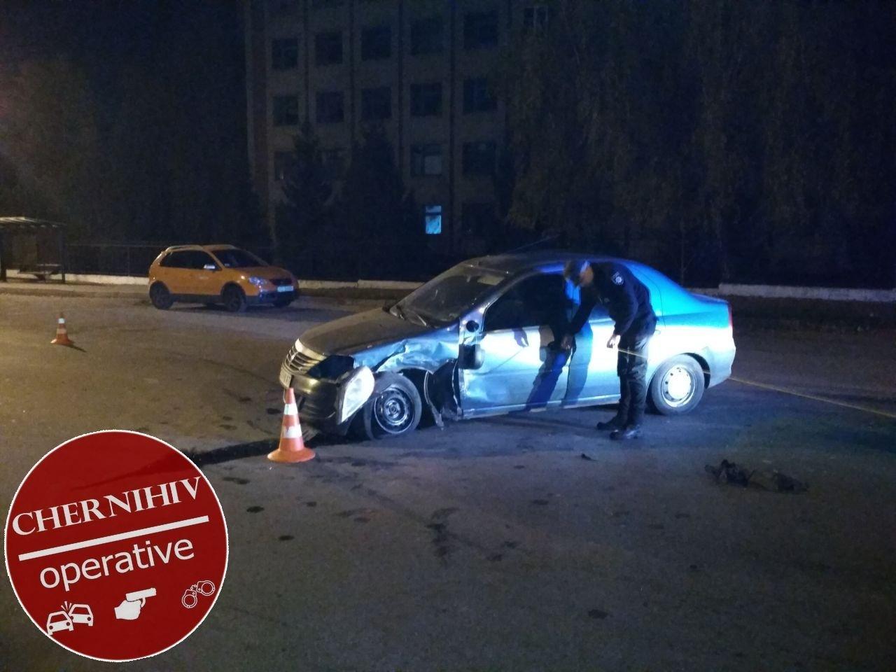 Сбегая от полиции потерял колесо: в Чернигове очередное ДТП, фото-17
