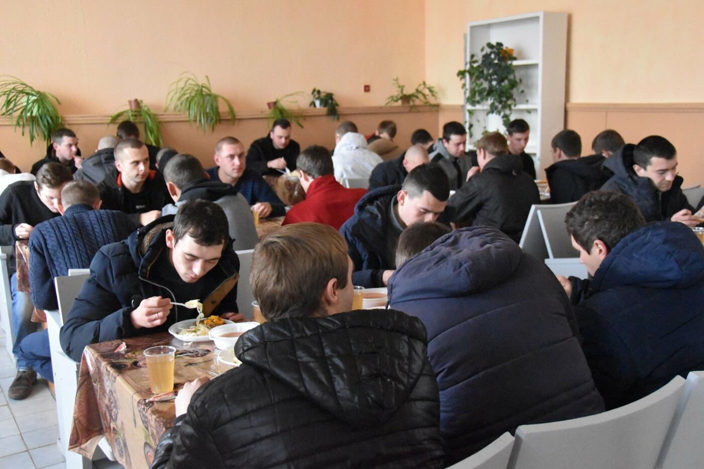Сознательно и своевременно: парни Черниговщины не проигноровали осенний призыв - 2019, фото-2