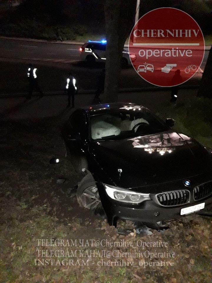 BMW влетіло у чернігівський Вал, фото-5