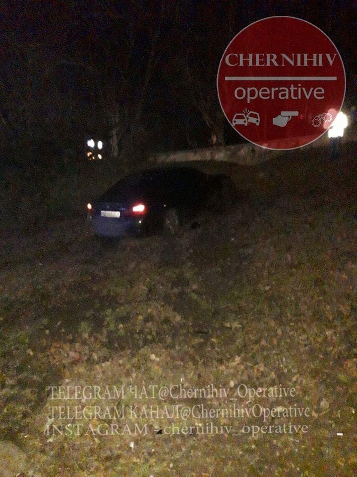 BMW влетіло у чернігівський Вал, фото-4