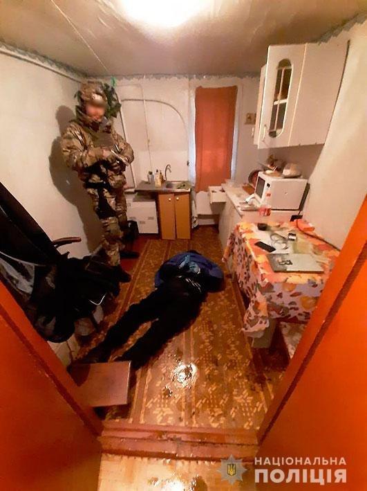 Амфетамин и марихуана для Черниговщины: полиция накрыла нарколабораторию, фото-2