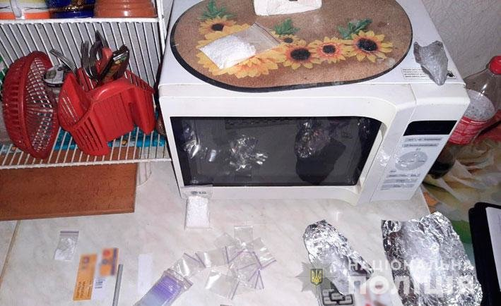 Амфетамин и марихуана для Черниговщины: полиция накрыла нарколабораторию, фото-10