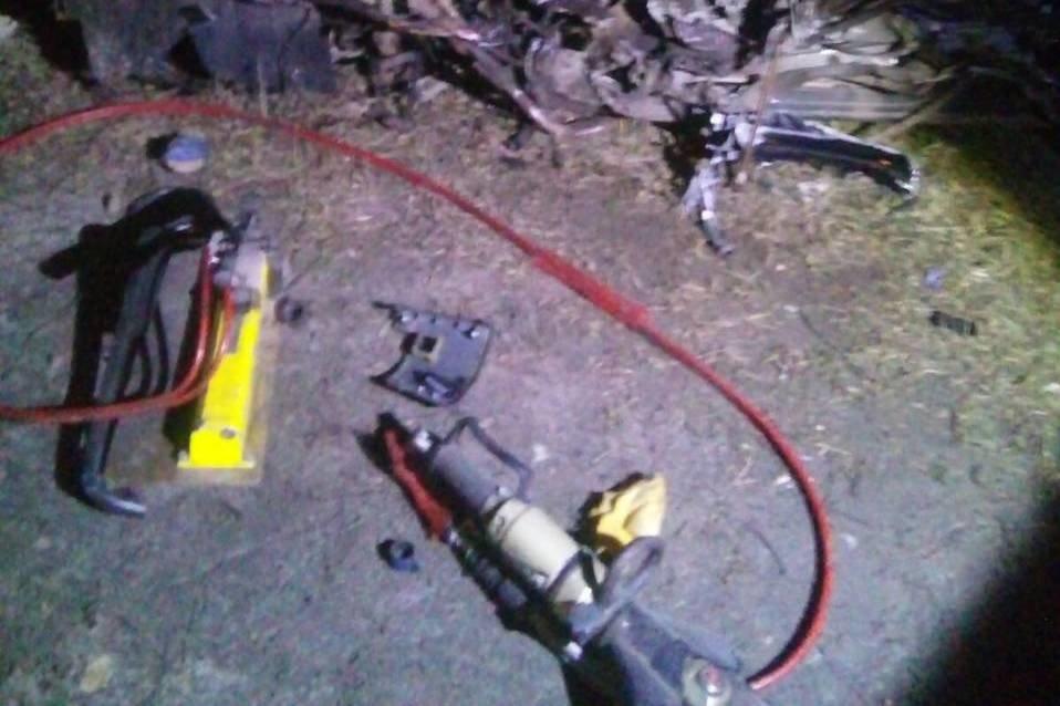 Разбитые вдребезги авто и смерть водителя: на Черниговщине очередное ДТП, фото-4