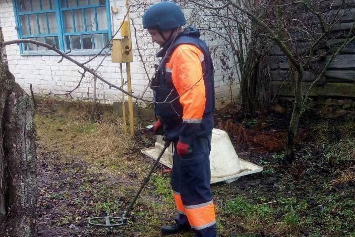 Небезпечні знахідки: міну та снаряд часів Другої світової знешкодили на Чернігівщині, фото-1