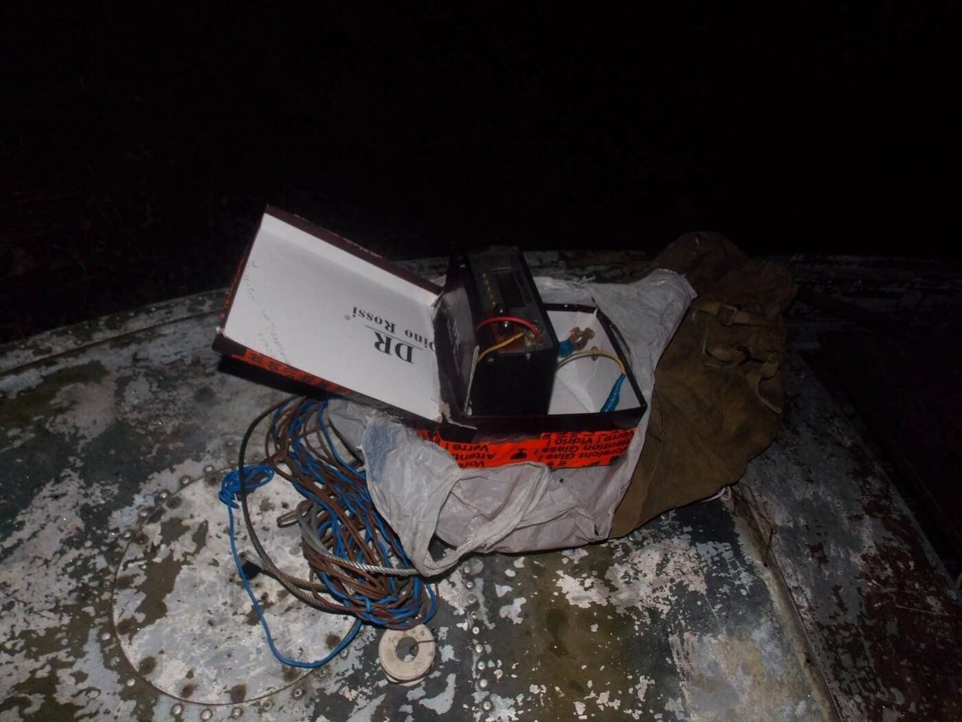 Трое в лодке, бобры и рыба: пограничники Черниговщины задержали браконьеров, фото-2