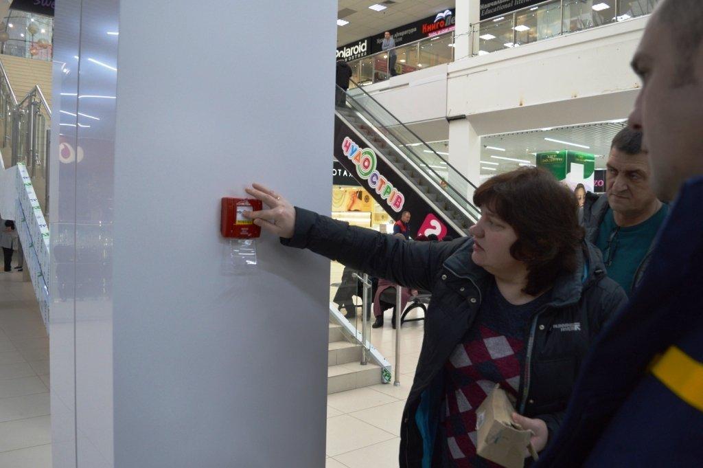 """Пожарная опасность: спасатели проверили """"ЦУМ Чернігів"""" и нашли проблемы  , фото-4"""