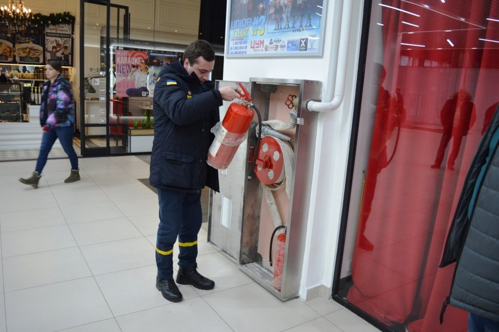 """Пожарная опасность: спасатели проверили """"ЦУМ Чернігів"""" и нашли проблемы  , фото-8"""