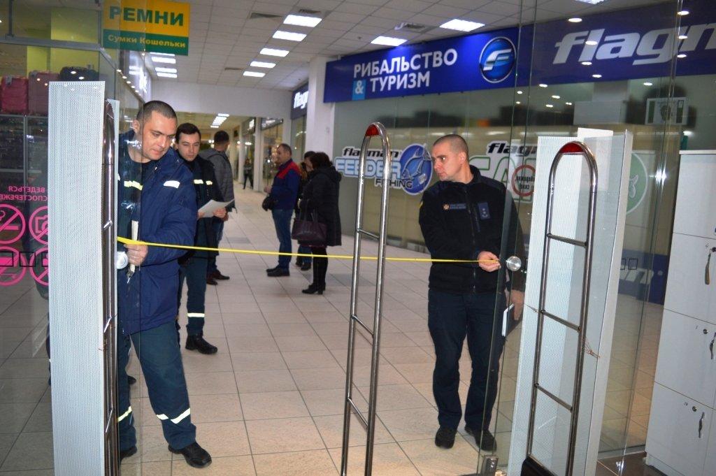 """Пожарная опасность: спасатели проверили """"ЦУМ Чернігів"""" и нашли проблемы  , фото-9"""