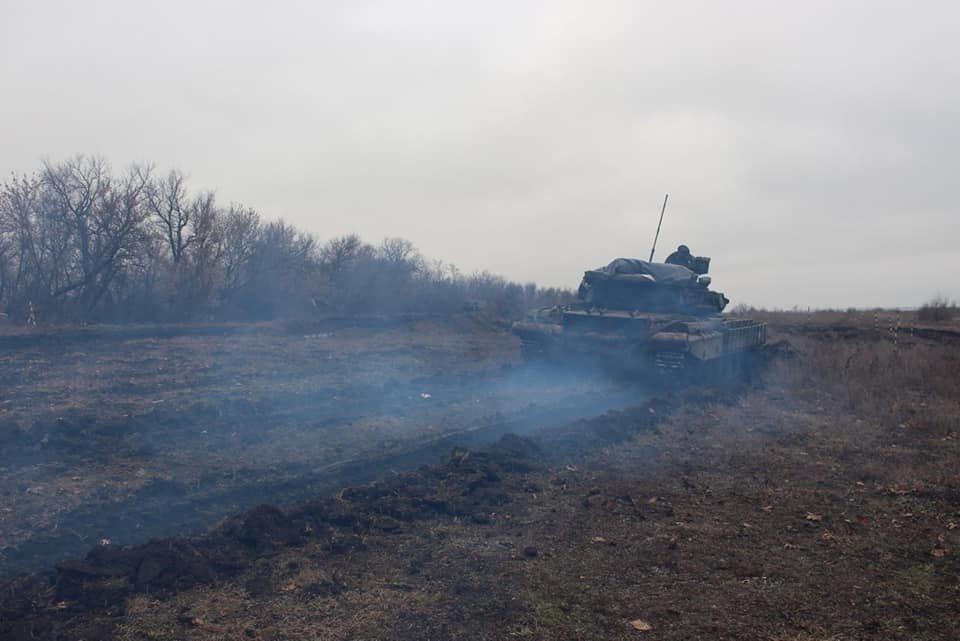 Чернігівські танкісти тренувалися бити ворога, фото-3