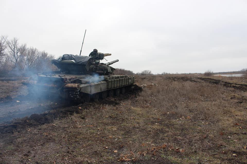 Чернігівські танкісти тренувалися бити ворога, фото-1