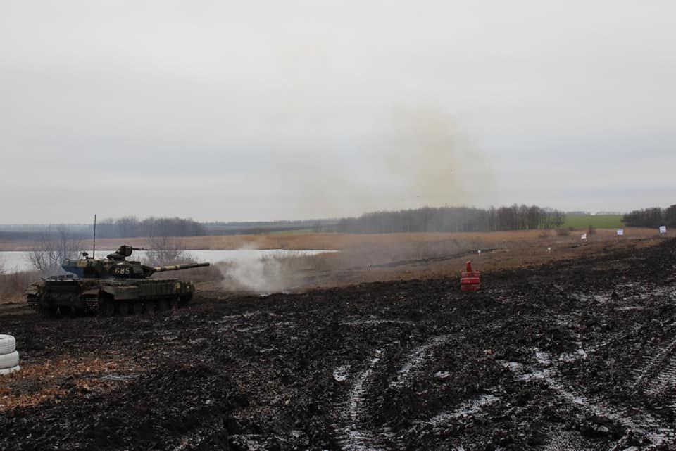 Чернігівські танкісти тренувалися бити ворога, фото-4