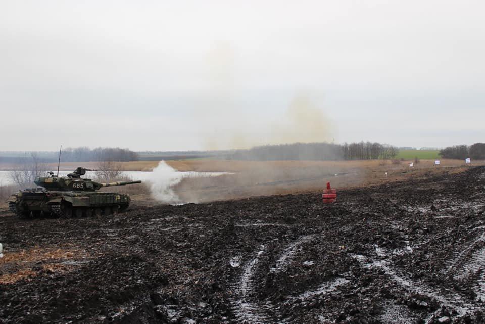 Чернігівські танкісти тренувалися бити ворога, фото-5