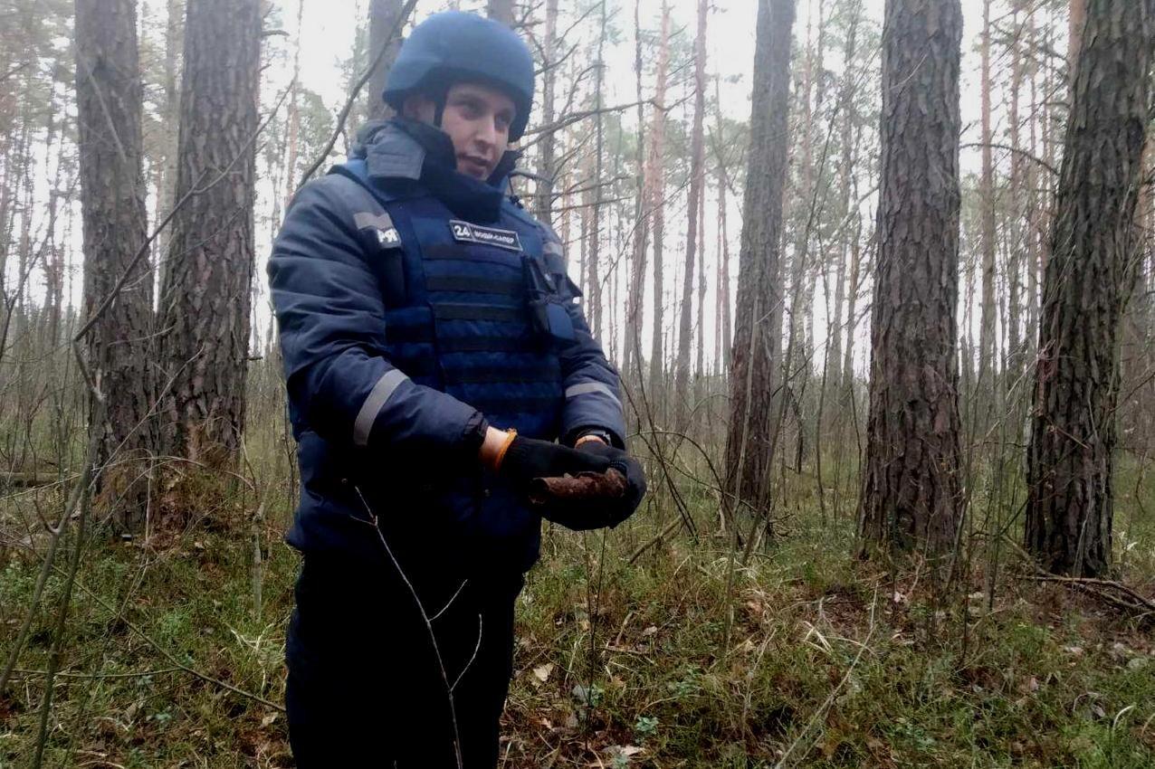 Дві стокілограмові бомби знищили чернігівські піротехніки, фото-1