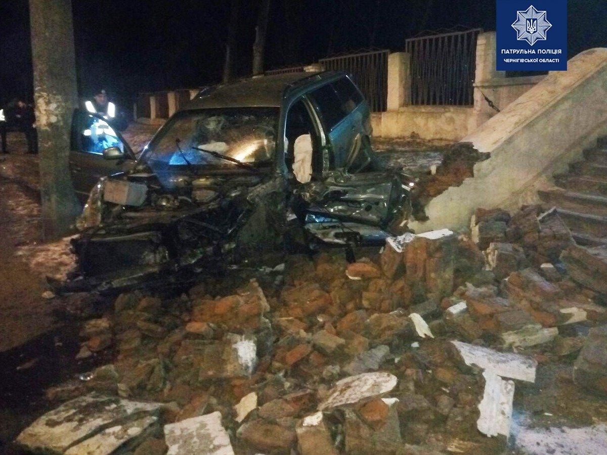 П'яний водій, що в'їхав у сходи біля чернігівської школи, відновить їх за власний рахунок, фото-3