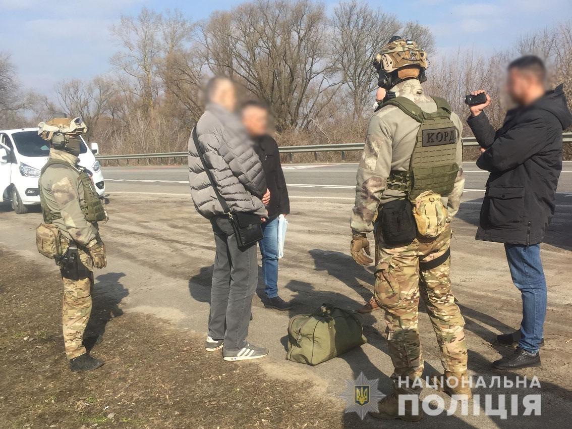 """Полицейские Черниговщины пресекли """"поставку"""" женщин легкого поведения в ЕС, фото-1"""