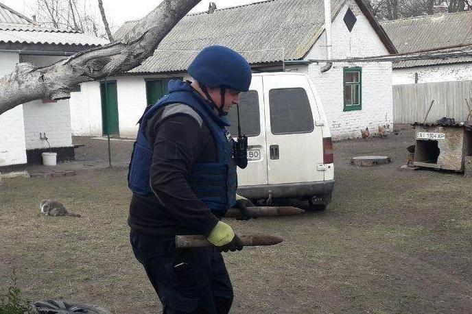 В нескольких метрах от жилого дома: на Черниговщине нашли снаряды времен Второй мировой, фото-7