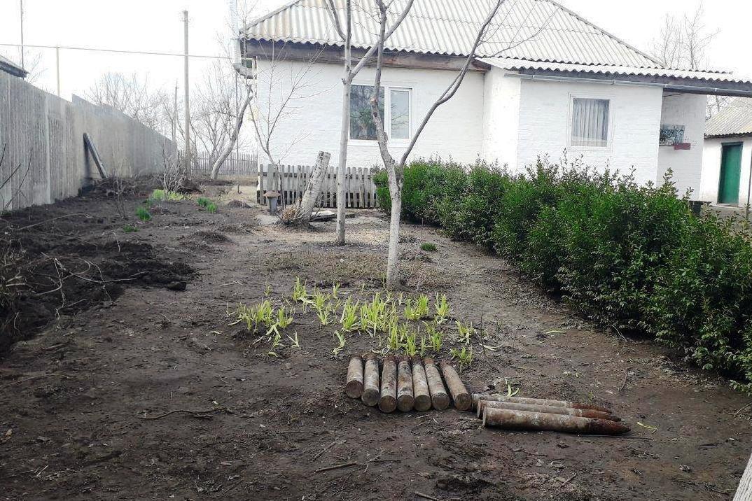 В нескольких метрах от жилого дома: на Черниговщине нашли снаряды времен Второй мировой, фото-5