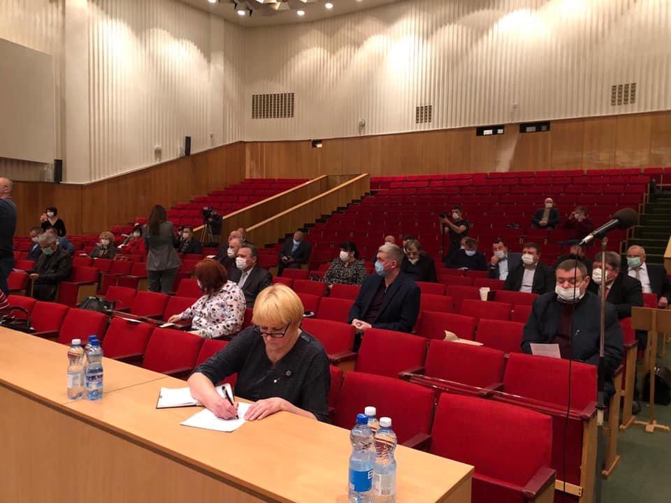 Чернігівська облрада на закритій сесії виділила більше 100 млн грн на боротьбу з коронавірусом, фото-1