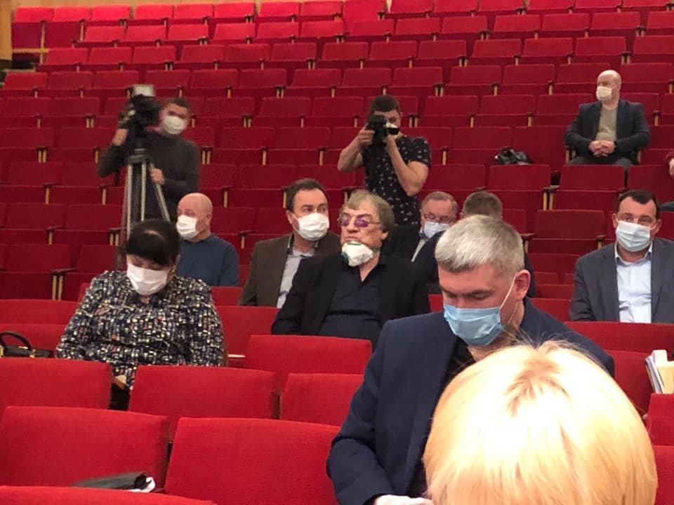 Чернігівська облрада на закритій сесії виділила більше 100 млн грн на боротьбу з коронавірусом, фото-5