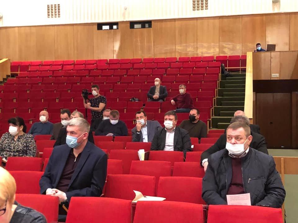 Чернігівська облрада на закритій сесії виділила більше 100 млн грн на боротьбу з коронавірусом, фото-3