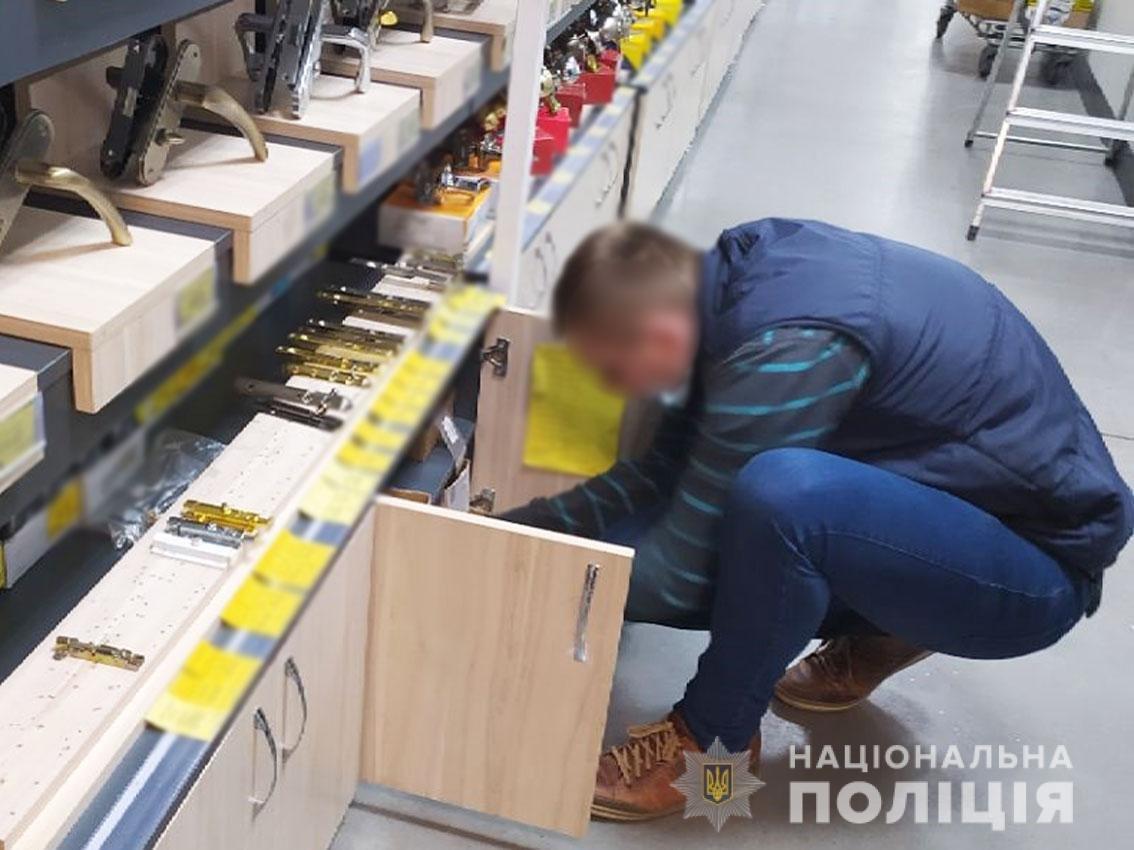 """Операція """"Шпінгалет"""": поліцейські виписали адмінпротокол на директора """"Вени"""" через недотримання карантину, фото-3"""