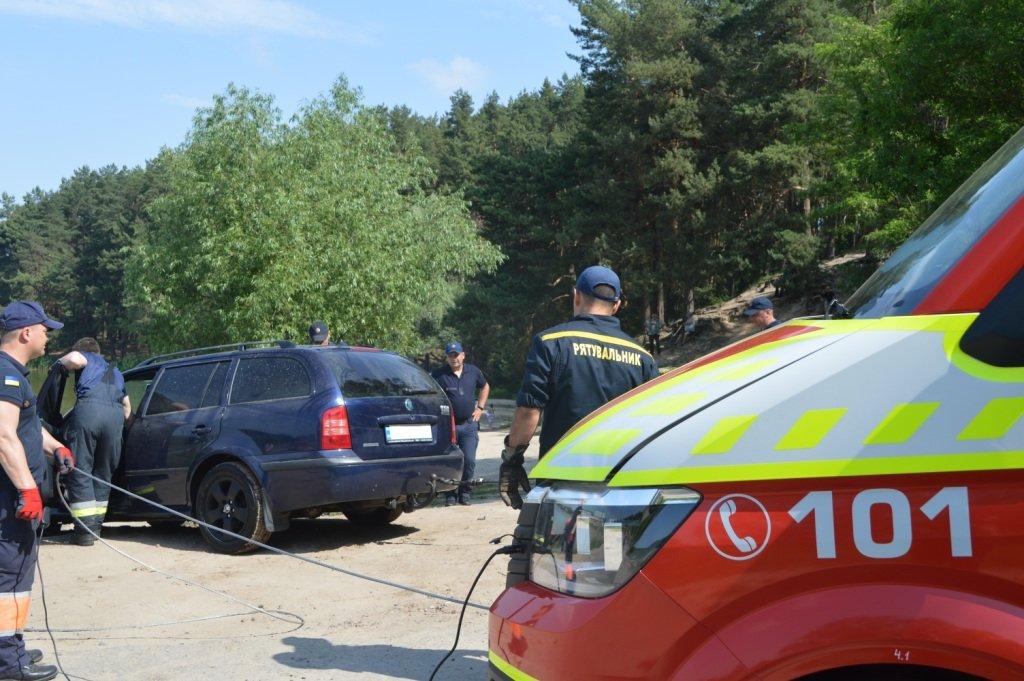 У Стрижні втопили іномарку: залучались рятувальники, фото-9