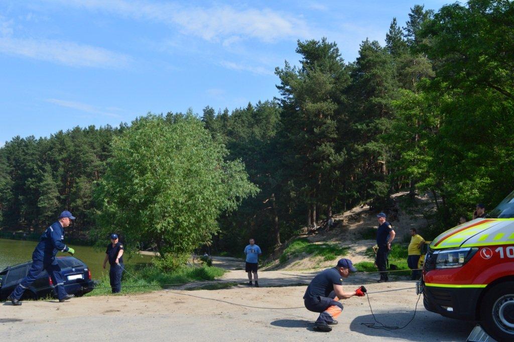 У Стрижні втопили іномарку: залучались рятувальники, фото-5