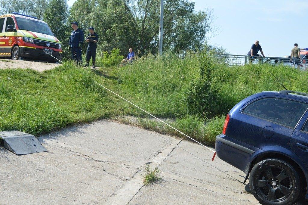 У Стрижні втопили іномарку: залучались рятувальники, фото-7