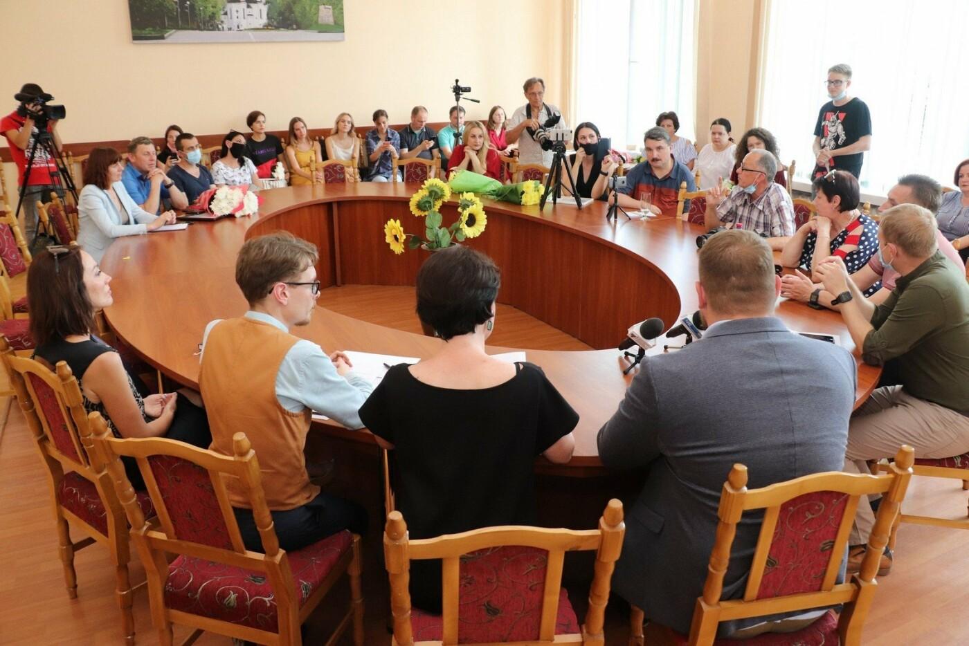 У Чернігові нагородили переможців журналістського конкурсу «МедіаЧе»-2020, фото-1