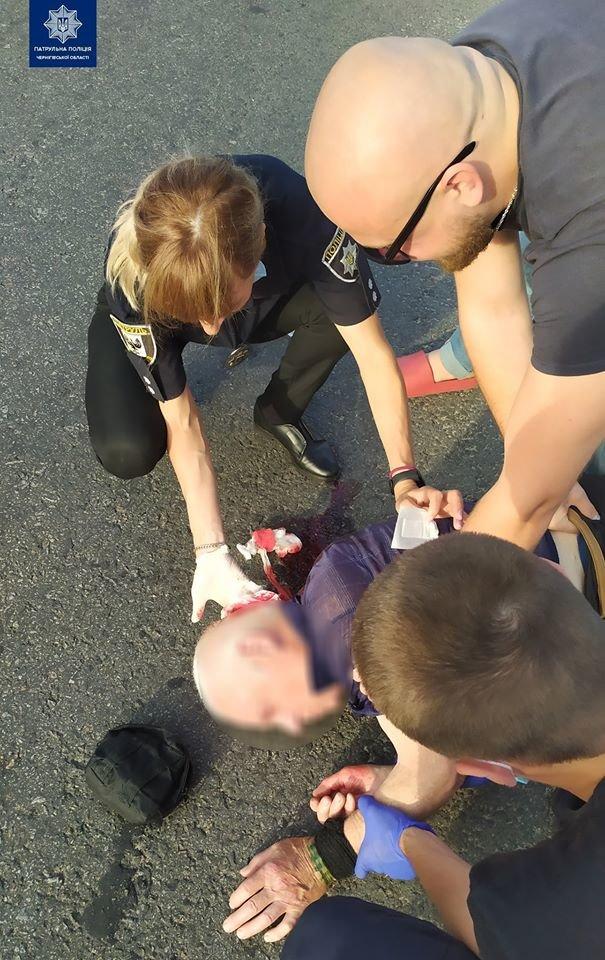У Чернігові на Героїв Чорнобиля чоловік стікав кров'ю, фото-1
