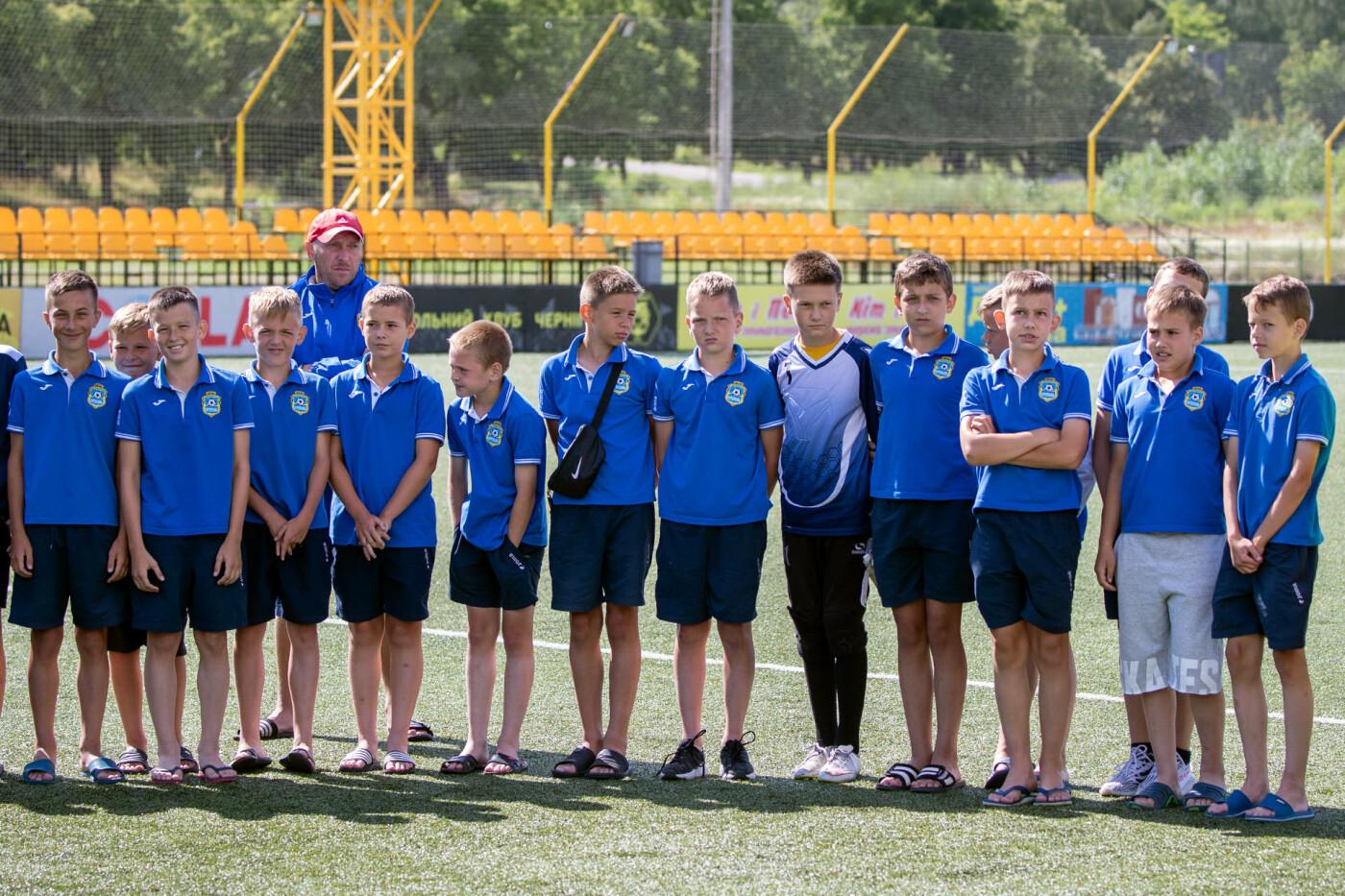 Чернігів прийняв у себе відкритий турнір з футболу: місцеві юнаки поза п'єдесталом, фото-2