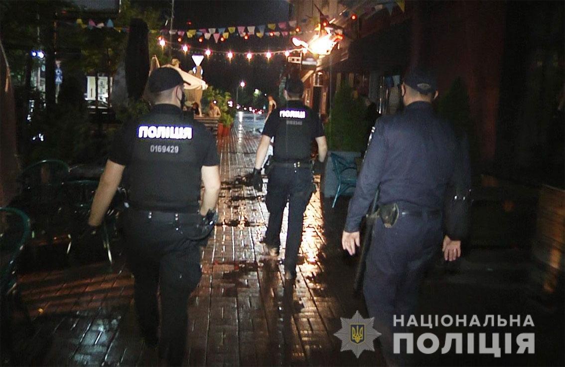 Один з пабів Чернігова працював вночі попри заборону: власнику загрожує штраф, фото-1