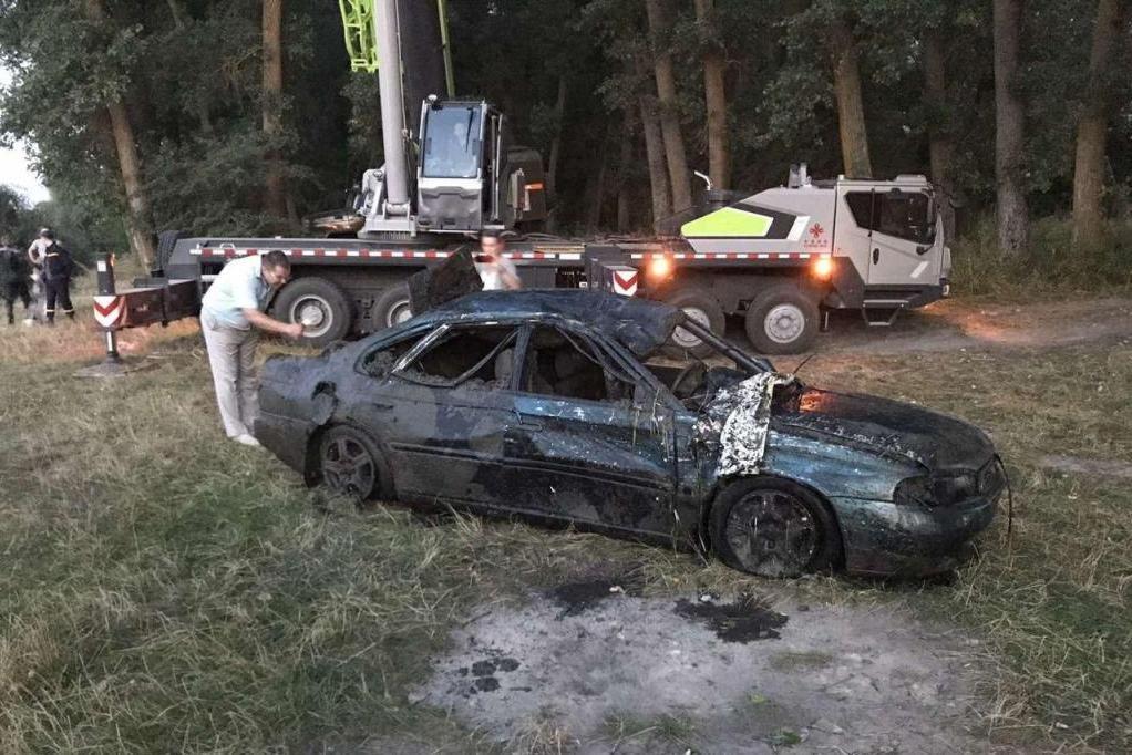 На дні Десни біля Чернігова знайшли легковик, що пролежав там 11 років, фото-6