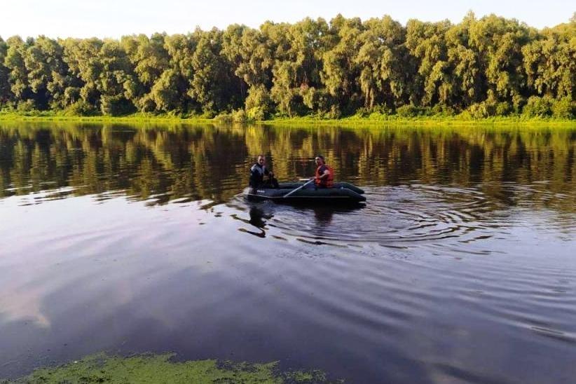 На дні Десни біля Чернігова знайшли легковик, що пролежав там 11 років, фото-2