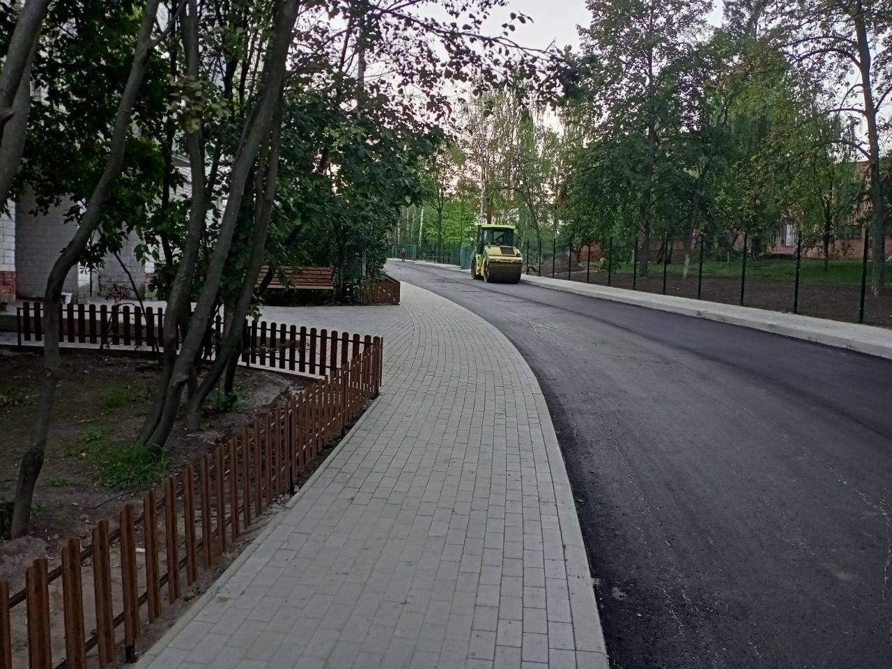 Ремонт прибудинкової території біля чернігівської школи №22 на фінішній прямій, фото-2