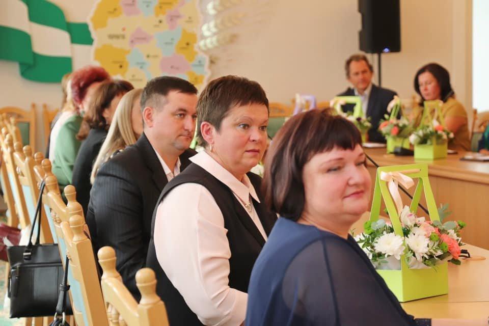 Напередодні професійного свята освітян Чернігівщини нагородили одразу двома преміями, фото-2