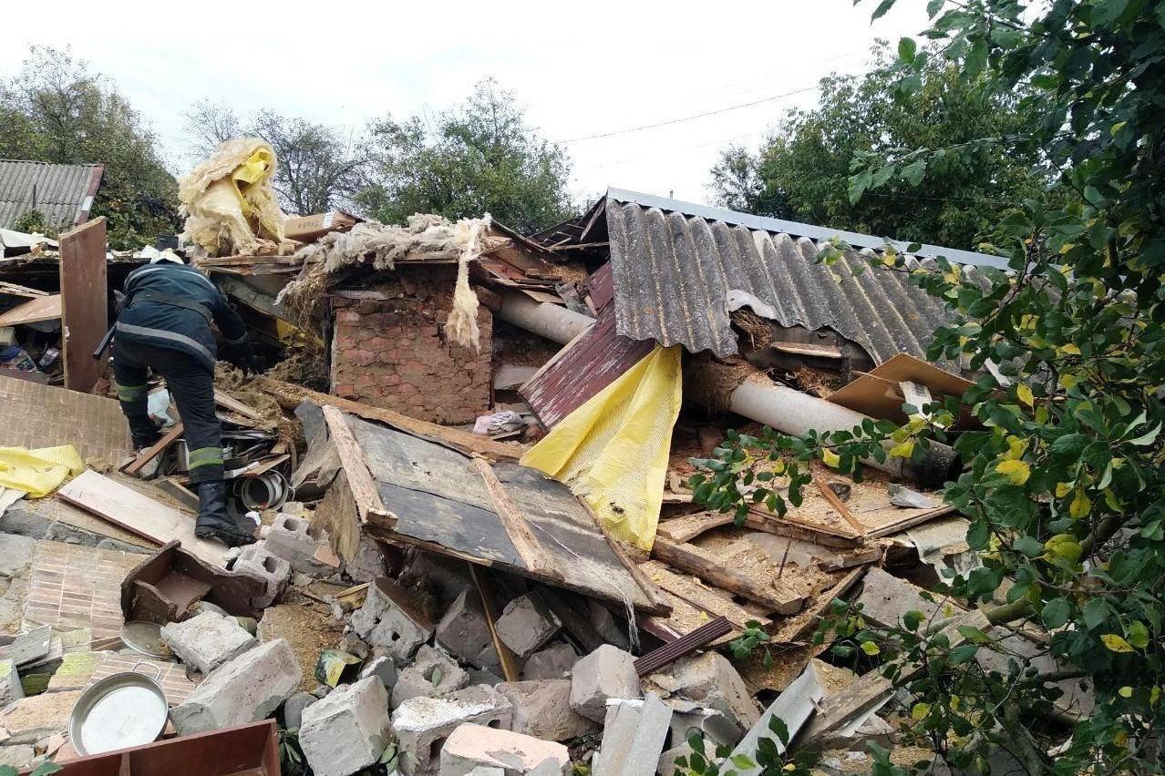 У Чернігові вибухнув приватний будинок: постраждала дитина (ФОТО), фото-1