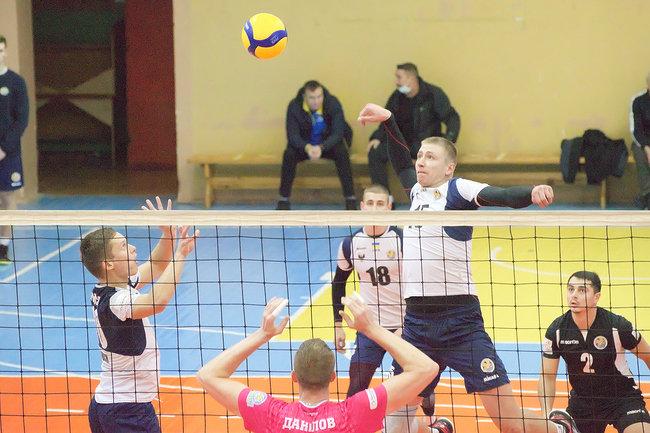 """Чернігівський """"Буревісник"""" здобув свої перші очки в новому чемпіонаті, фото-1"""