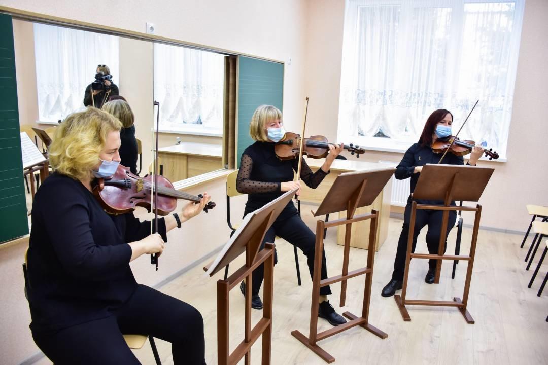 У Чернігові добудували та відкрили для учнів новий корпус музичної школи №1 імені Вільконського, фото-8