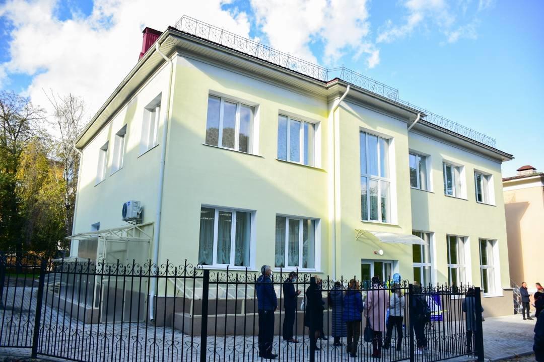 У Чернігові добудували та відкрили для учнів новий корпус музичної школи №1 імені Вільконського, фото-1