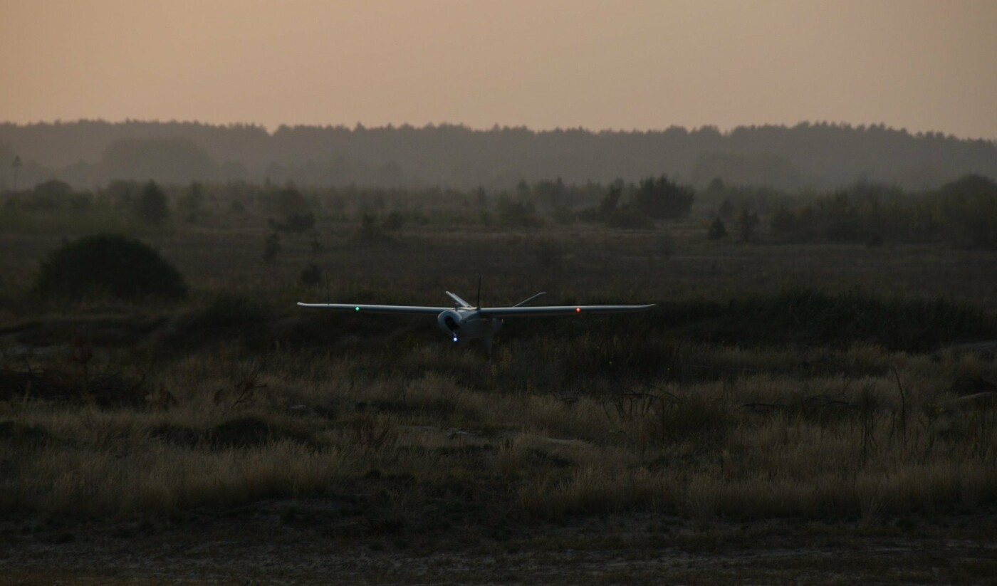 У небі над Чернігівщиною випробовували новий український безпілотник «Лелека-100», фото-2