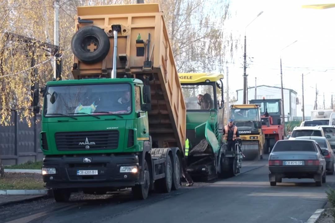У Чернігові завершують роботи на останній з 37 відремонтованих у 2020 році вулиць, фото-2