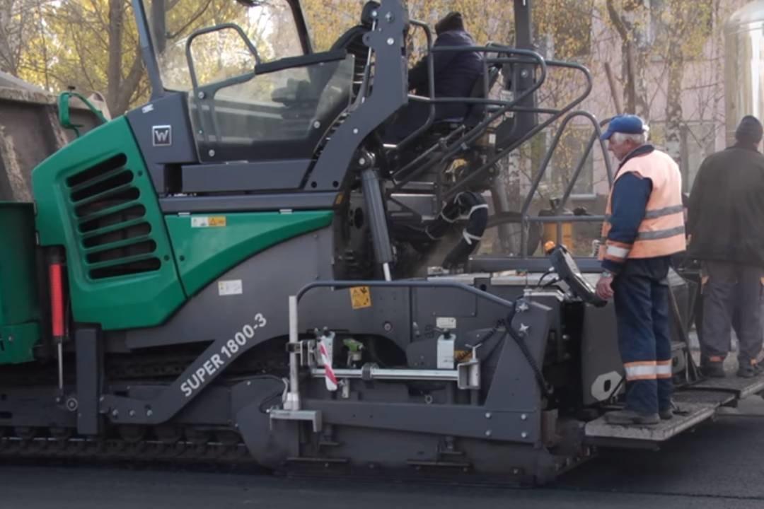 У Чернігові завершують роботи на останній з 37 відремонтованих у 2020 році вулиць, фото-4