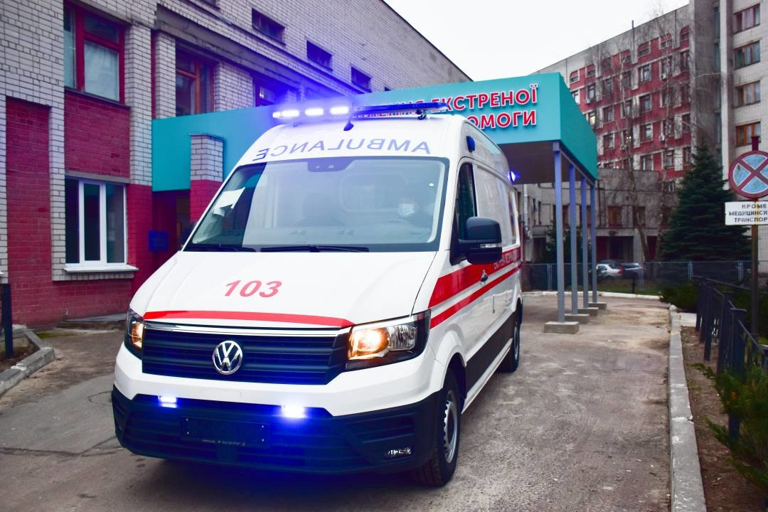 """Міські лікарні поповнились двома авто """"швидкої допомоги"""": ними перевозитимуть тяжкохворих, фото-9"""