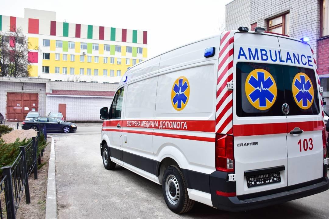 """Міські лікарні поповнились двома авто """"швидкої допомоги"""": ними перевозитимуть тяжкохворих, фото-8"""