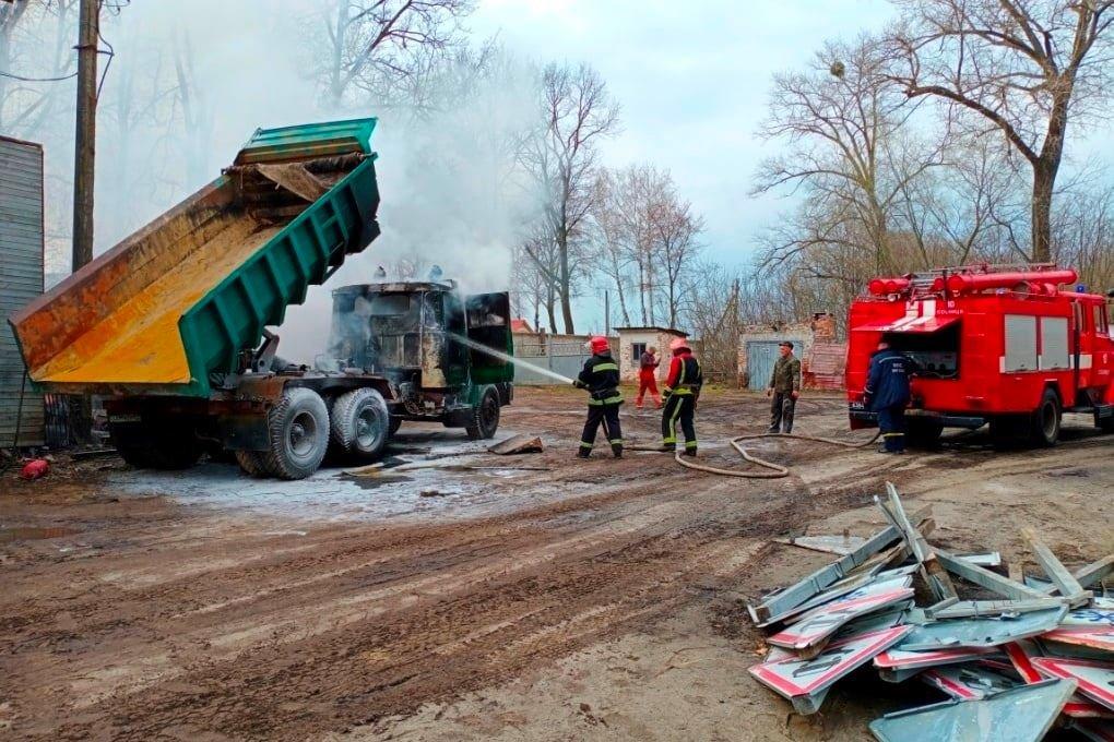 Чернігівські вогнеборці за минулий тиждень ліквідували більше 30 пожеж, фото-1