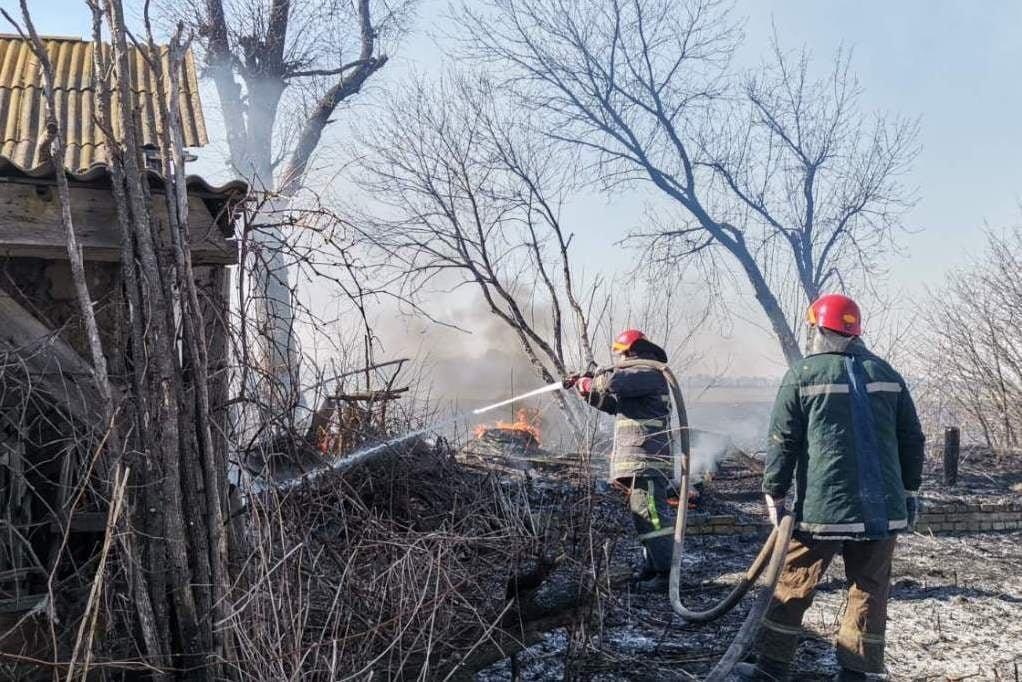 Чернігівські вогнеборці за минулий тиждень ліквідували більше 30 пожеж, фото-3
