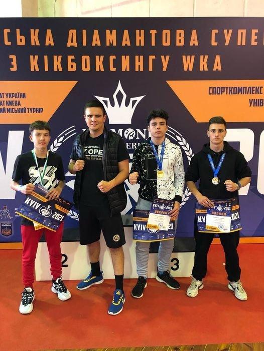Одразу 8 чернігівських кікбоксерів повернулись з чемпіонату України з медалями, фото-1