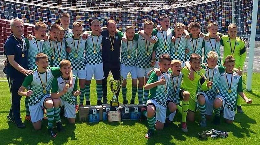 Юнаки з Чернігова вперше в історії стали футбольними чемпіонами України, фото-1